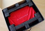 红色布袋方便携带