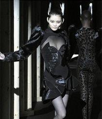 中国众超模与Lady Gaga同台演绎Mugler