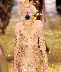 Vivienne Westwood2011秋冬:女战士的化妆派对