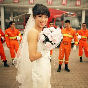 消防员婚纱照