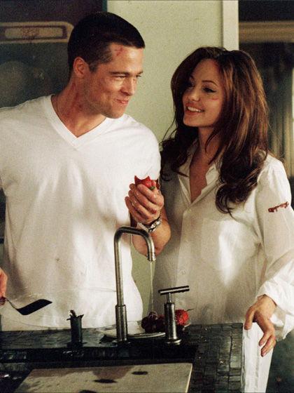 2005年皮特与朱莉搭档《史密斯夫妇》后两者传出绯闻_女人帮说爱系列015_网易女人