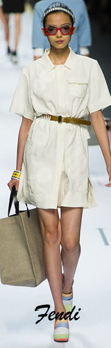 燕尾裙:2