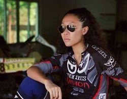 李鹤,不一样女人,新蜂女子车队,摩托车,赛车手,永利网站,永利网上娱乐,澳门永利网站