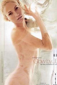 珍妮佛·洛佩兹全裸上阵拍摄香水广告