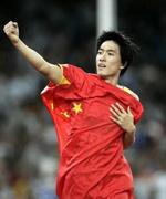 2004年雅典奥运会上,刘翔以12.91秒的成绩平了保持11年之久的世界纪录。