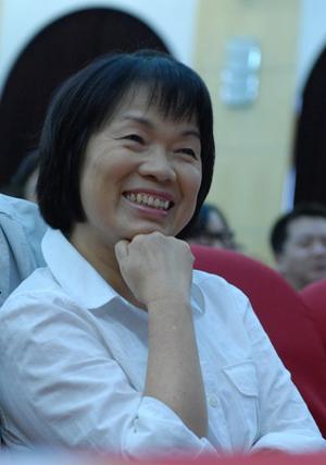中国女公民龙应台