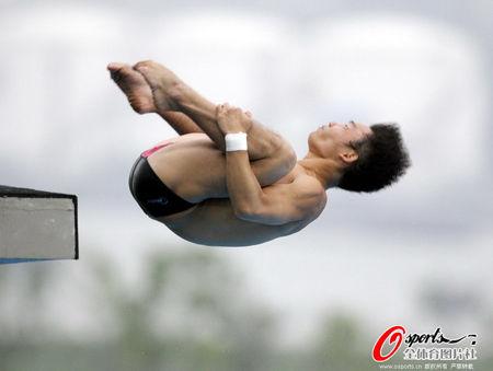 邱波夺男子十米台金牌 中国跳水揽十金完美收官