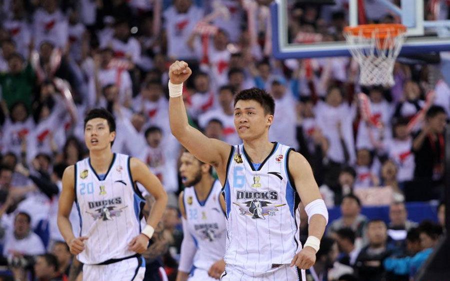 北京全队庆祝胜利