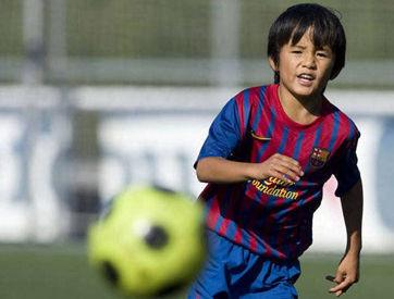 """被称为""""日本梅西""""的久保健英,曾在6场比赛中 打进21球,是拉玛西亚的绝对潜力巨星。"""