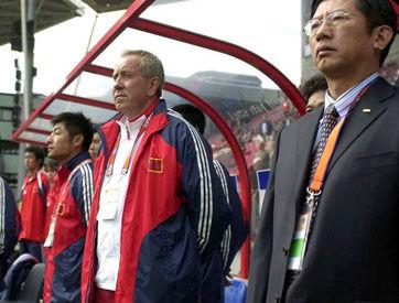 克劳琛就中国足球青训的建议足有10厘米厚。