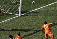 第097球:荷兰小将费尔借角球破门
