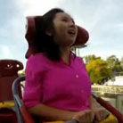 央视记者坐过山车被吓哭