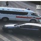救护车闯红灯撞飞行人