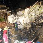 台湾客机撞民宅坠毁