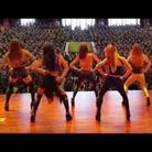 女子舞团兵营表演嗨炸天